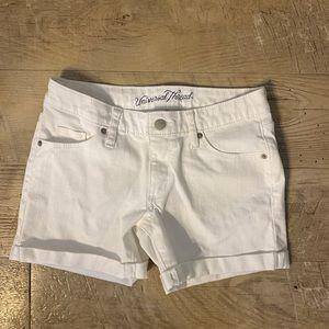 Universal Thread 🧵 White Cuffed Shorts FLAWED